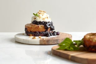 BAKED BLUEBERRY FRENCH TOAST CAKE